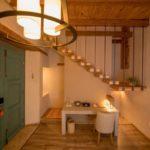 habitacion lampara escaleras escritorio