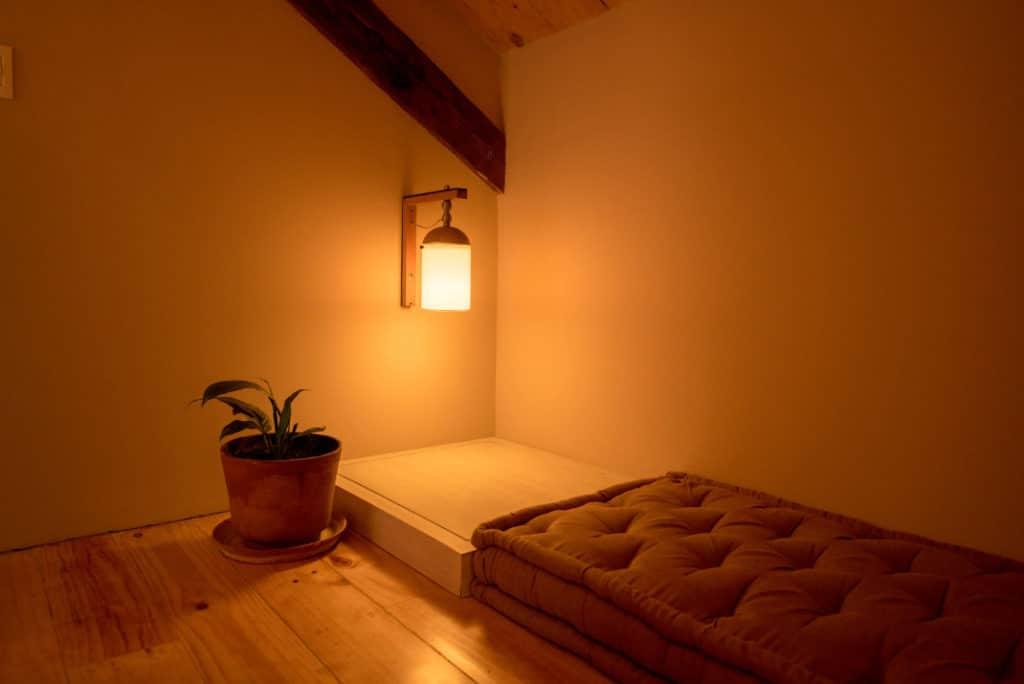 rincon habitacion maceta lampara